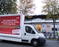 Unser Fahrzeug auf dem Hans-Böckler-Platz vor dem Bahnhof Köln-West, Foto: DGB-NRW