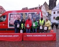 In Pirna unterstützte SPD-Bundestagsabgeordnetr Dr. André Hahn die Rentenaktion der DGB-Region Dresden-Oberes Elbtal. Foto: DGB Dresden-Oberes Elbtal