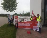 Freising - Aktion vor dem Abgeordnetenbüro von Erich Irlstorfer MdB (CSU), Foto: DGB