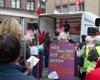 Die Forderung nach einer Anhebung und Stabilisierung des Rentenniveaus wurde von den Teilnehmern der Protestveranstaltung mit Applaus unterstützt, Foto: DGB/Feulner