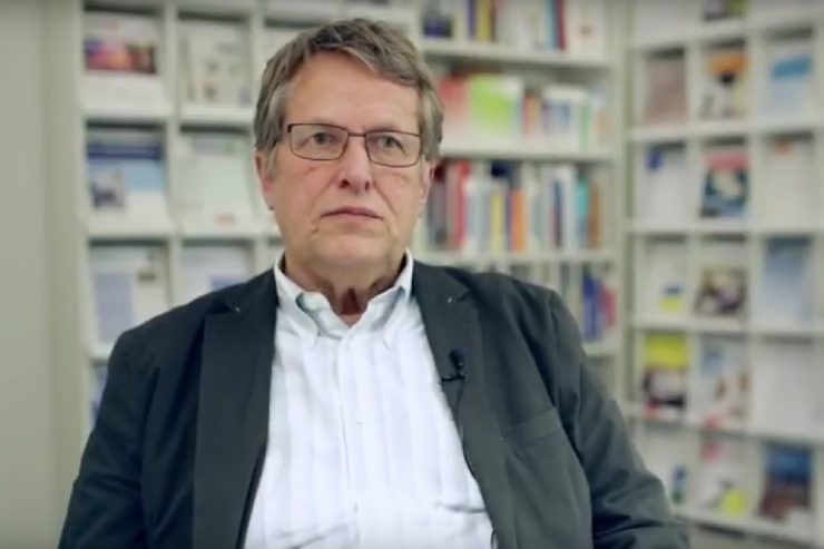 Screenshot des YouTube Videos mit Dr. Gerhard Bäcker (IAQ)