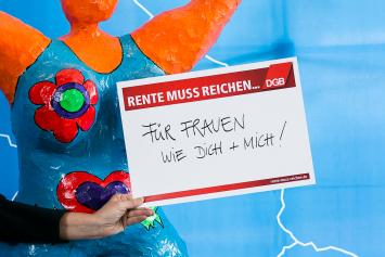 Statement-Karte: Meine Rente muss reichen ... Für Frauen wie dich und mich!